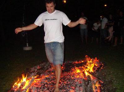 Firewalker (marche sur le feu) en 2013 à Londres